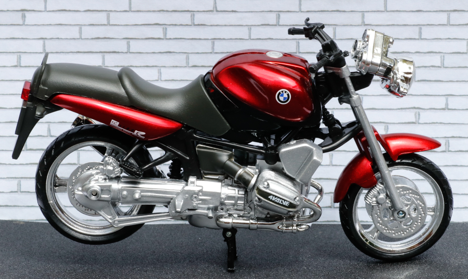 New Ray 1-12 BMW R1100R