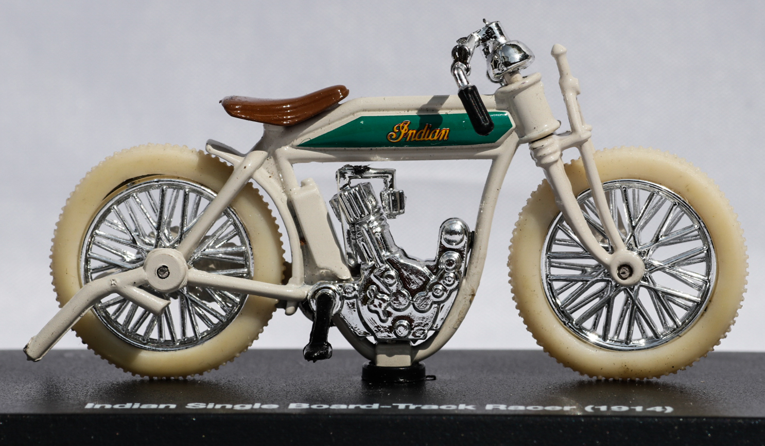 New Ray 1-32 Indian Board Track Racer 1914