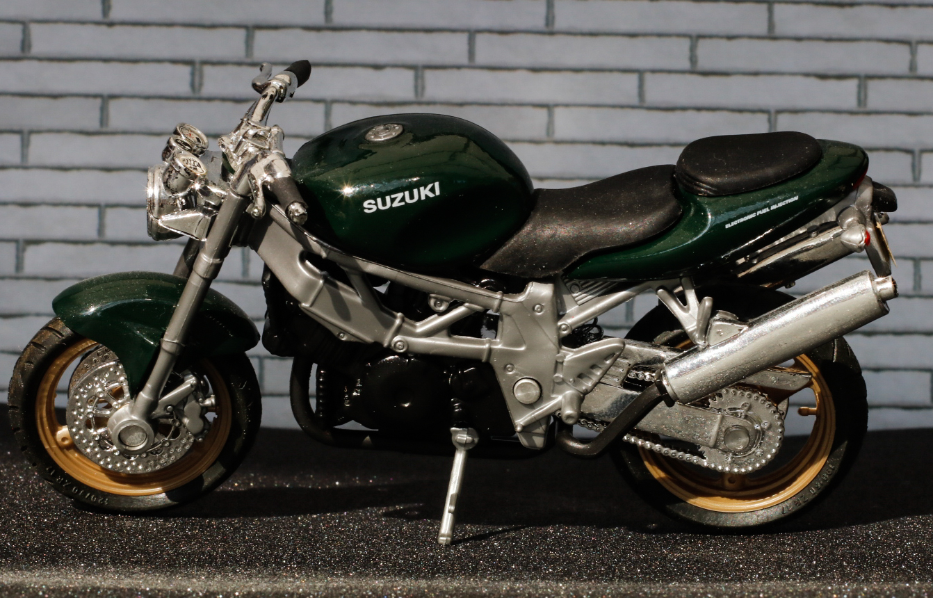 Welly Suzuki 1000 Street Bike